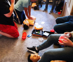 Kurs pierwszej pomocy katowice ćwiczenia na fantomach