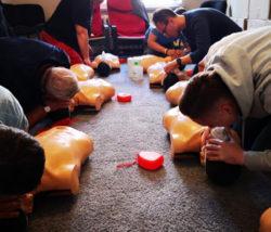 kurs pp katowice udzielanie pierwszej pomocy