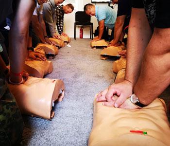 Kurs pierwszej pomocy warszawa ćwiczenia