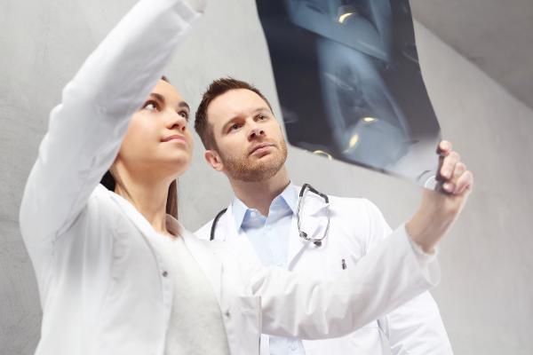 Szkolenia okresowe bhp dla pracowników służby medycznej course image